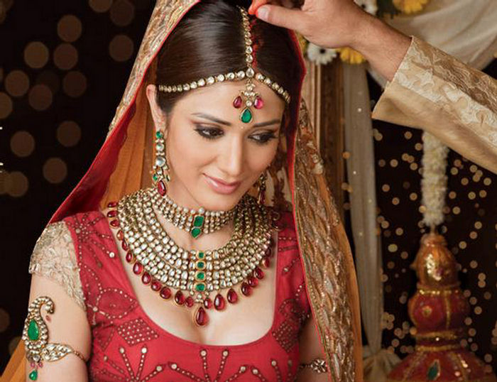 Buy the Latest Wedding Jewellery Online At Best Price Indian
