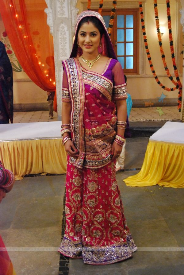 Five Tv Actress Who Looks the Best In Saree | Indian ...