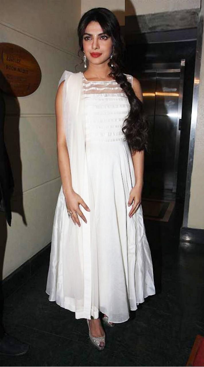 e86e9866a8a Dazzling Priyanka Chopra White Super Plain Anarkali Suit BP0719