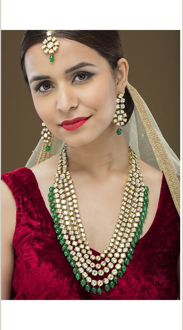 Appealing Golden Kundan Jewellery Necklace Set Np39609