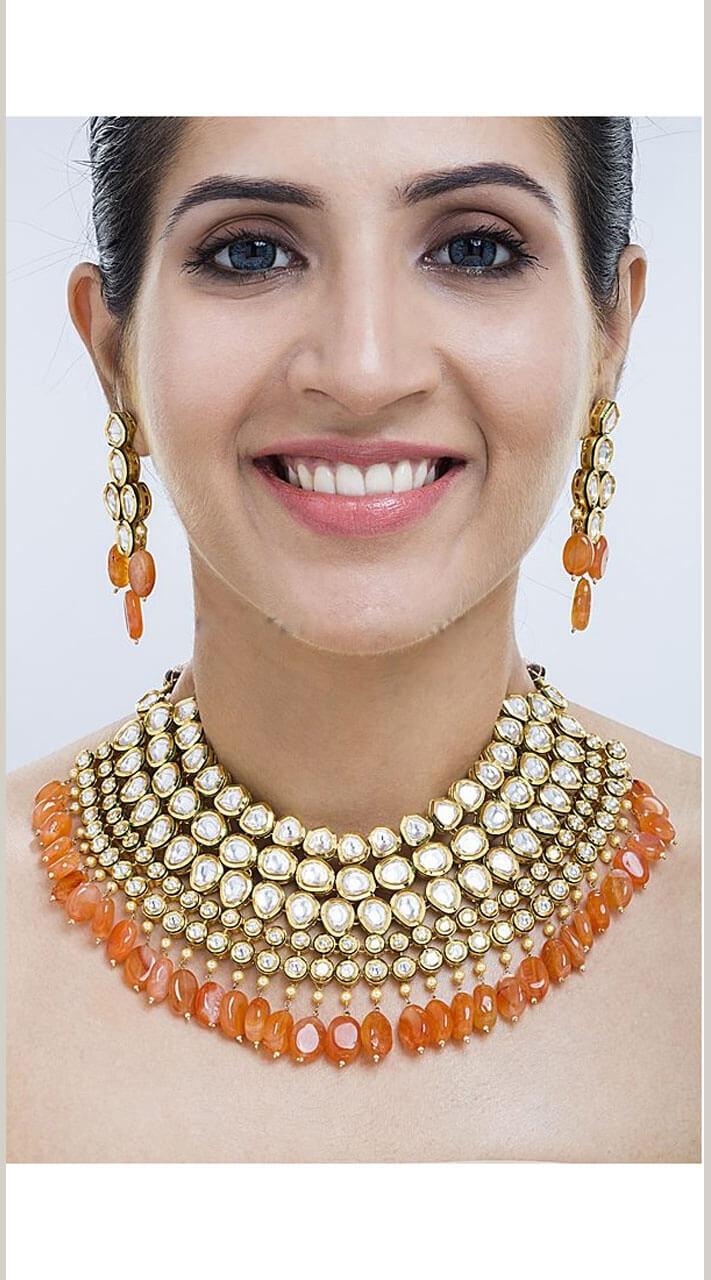 Golden Kundan Jewellery Choker Set For Wedding Wear Np39909