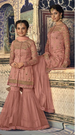 47d707ba71 Mother Daughter Dresses For Indian Weddings Online, Mom Daughter ...