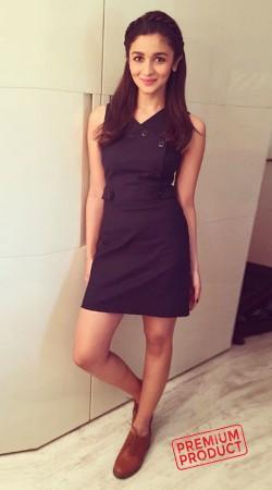 Alia Bhatt Black Cotton Trench Coat Dress BP0136