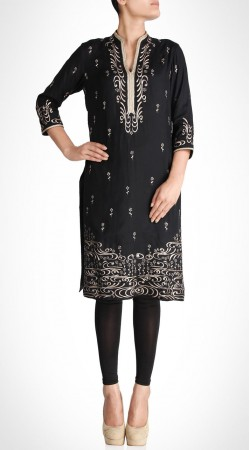 Auspicious Black Silk Knee Length Kameez With Straight Fit Pant SUMS19717