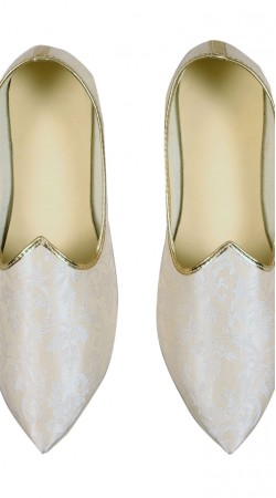 Awesome White Party Wear Brocade Mens Mojari GR11002