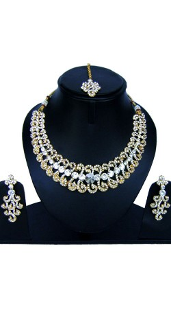 Beautifully Crafted Stones Work Necklace Set With Maang Tika NNP85007