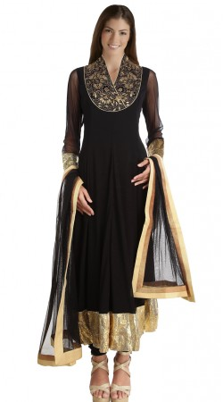 Black Georgette Golden Border Exclusive Salwar Kameez SU23311