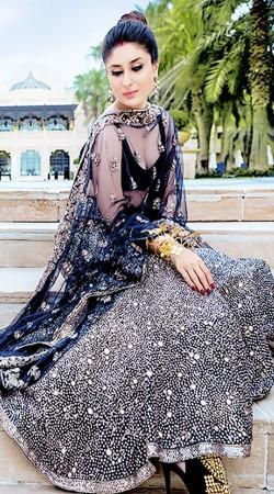 Bollywood Star Kareena Kapoor Dark Blue Net Replica Lehenga Choli SMDS0ZZZ