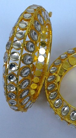 Classy Gold Plated Cut Kundan Designer Bangle Kada N001697