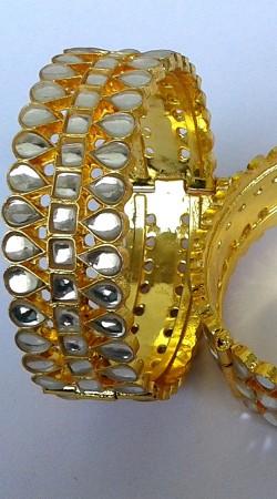 Designer Golden Plated Cut Kundan Pench Bangle Kada N001097