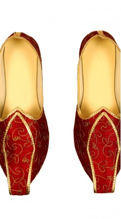 Exceptionally Made Embroidered Maroon Mens Mojari GR12002