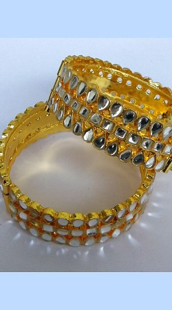 Fantastic Golden Plated Designer Cut Kundan Bangle Kada N000597