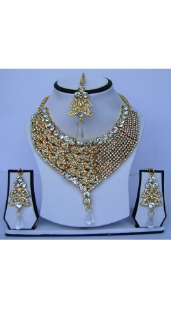 Fantastic Golden Plated White Stone Work Necklace Set With Tika N62499