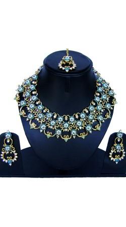 Fashionable Necklace Set With Maang Tika NNP85708