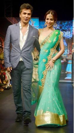 Fashionable Sea Green Net Malaika Arora Khan Replica Saree BP0304