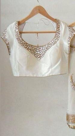 Fashionable White Premium Fabric Designer Blouse For Saree BP5609