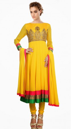 Fashionable Yellow Georgette Exclusive Salwar Kameez With Dupatta SU22411