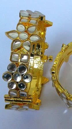Golden Plated Designer Cut Kundan Bangle Kada N000997