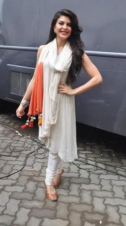 Gorgeous Jacqueline Fernandez Off White Super Plain Salwar Kameez BP0119