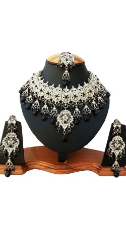 Hand Made Necklace Set With Maang Tika For Party NNP82106