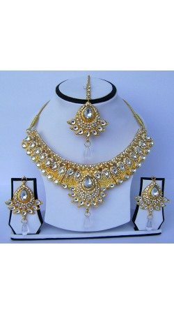 Imposing Golden Plated White Stone Work Necklace Set With Tika N61599