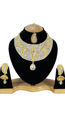 Inestimable Party Wear Stone Work Necklace Set NNP80805