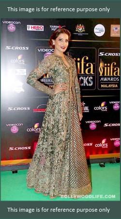 Gorgeous Bipasha Basu Mehendi Green Designer Long Choli Lehenga BP0727