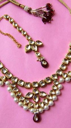 N001596 Gaudy Maroon Kundan Necklace Set with Tika
