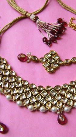 N001796 Fantastic Red Kundan Necklace Set with Tika