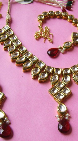 N002596 Fantastic Red Kundan Necklace Set with Tika