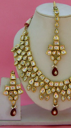 N004196 Exclusive Red Kundan Necklace Set with Tika