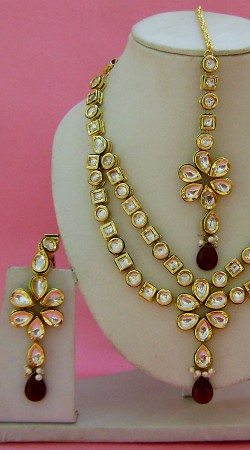 N004496 Stunning Red Kundan Necklace Set with Tika Old