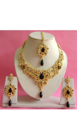 N16995 Necklace Set with Tika Necklace Set with Tika