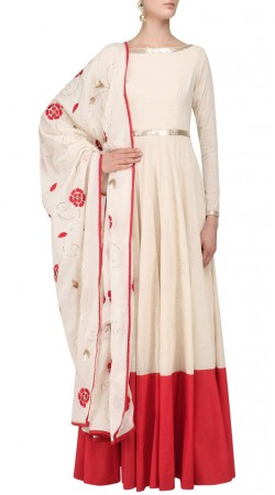 Plus Size Off White Silk Anarkali Salwar Kameez SUUDS50930