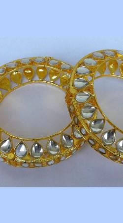 Pretty Golden Plated Designer Cut Kundan Bangle Kada N001397