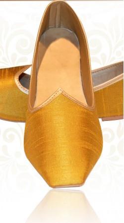 Stylish Golden Raw Silk Mens Wedding Mojari For Designer Sherwani ZP0907