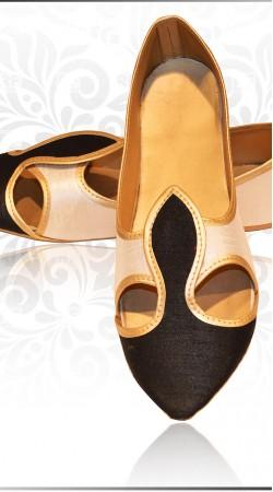 Trendy Black Raw Silk Wedding Mens  Mojari For Sherwani ZP0407