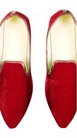 Ultimate Look Red Party Wear Velvet Mens Mojari GR10402