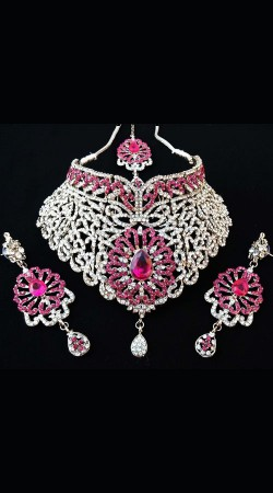 White And Pink Designer Necklace Set With Tika NNP77904