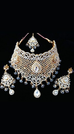 White Stones Work Party Wear Necklace Set NNP77503
