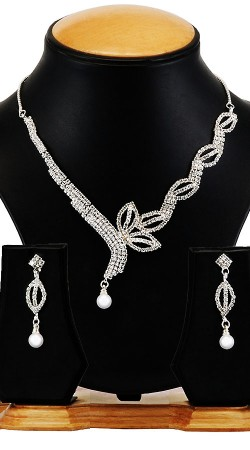 Beautiful American Diamond Designer Necklace Set