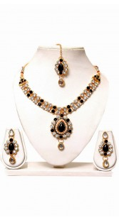 Party Wear Hand Made Necklace Set With Maang Tika